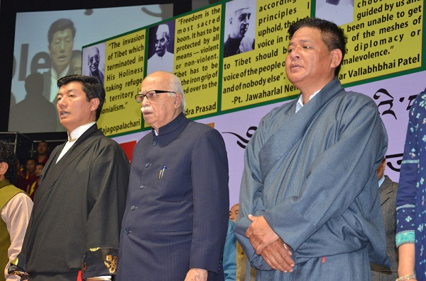 Sikyong Dr Lobsang Sangay and Speaker Penpa Tsering with Shri L K Advani, former Deputy Prime Minister of India at the launch of the Tibetan People's Solidarity campaign at Talkatora indoor stadium, New delhi.