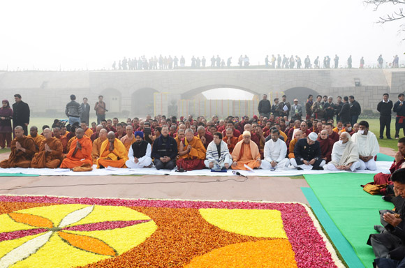 Inter fairth prayer meeting at Rajghat